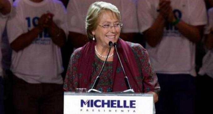 """Bachelet afirma que elegirá en persona a """"los mejores"""" para su gabinete"""