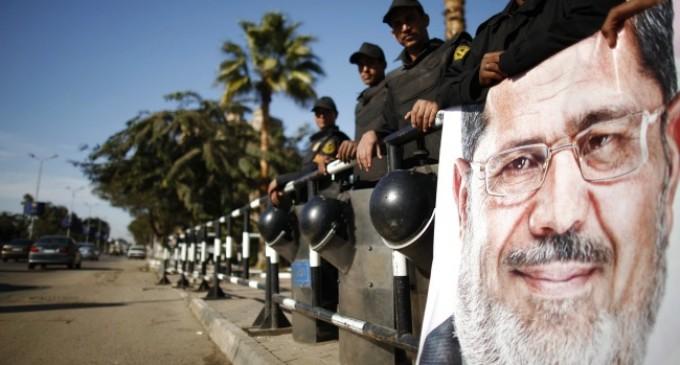 Egipto: Morsi irá a juicio por espionaje
