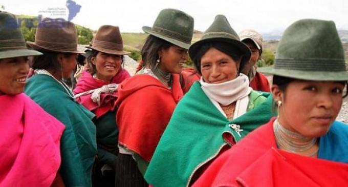 Ecuador fortalecerá modelo de sistema de educación intercultural bilingüe