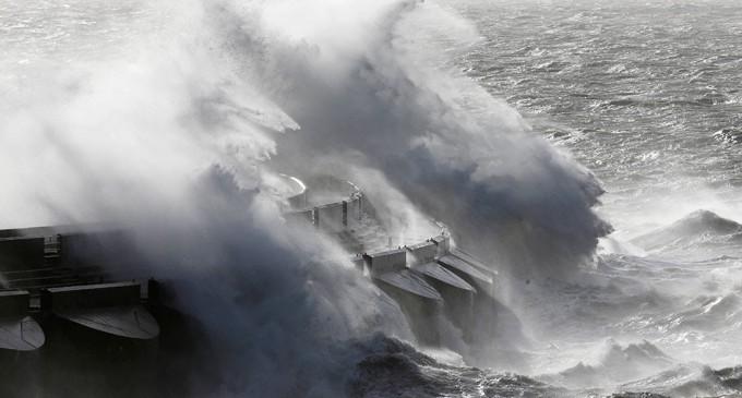 Tormenta causa caos en R. Unido y el norte de Europa