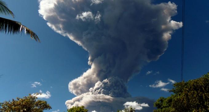 Alerta en El Salvador por erupción del volcán Chaparrastique