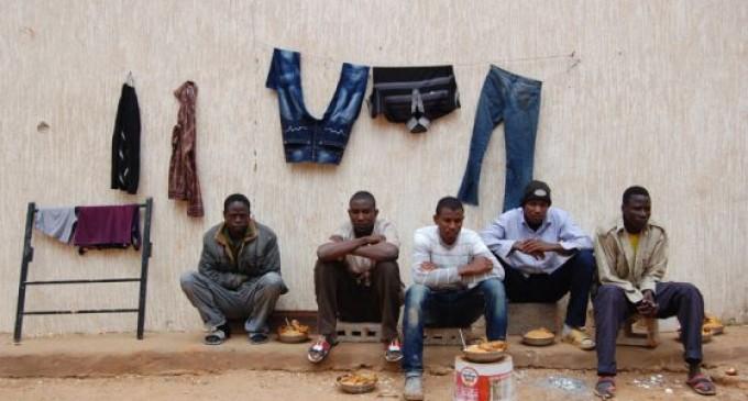 Emigrantes africanos varados en Libia frente al sueño europeo
