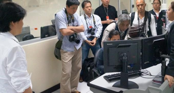 Medios de comunicación nipones constatan sistema de Taxi Seguro