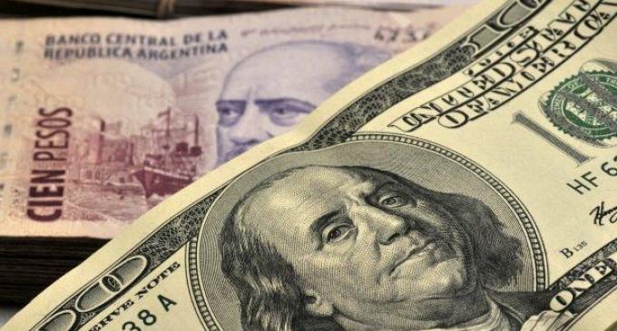 Argentina anuncia flexibilización de restricciones al dólar