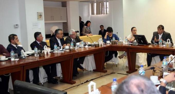 Presidente Correa y médicos llegaron a un acuerdo