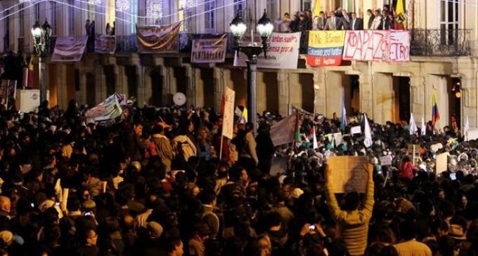 Seguidores del alcalde Petro completan 30 días en la Plaza de Bolívar