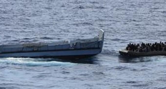 Rescatan a más de mil inmigrantes en aguas próximas a la isla de Lampedusa