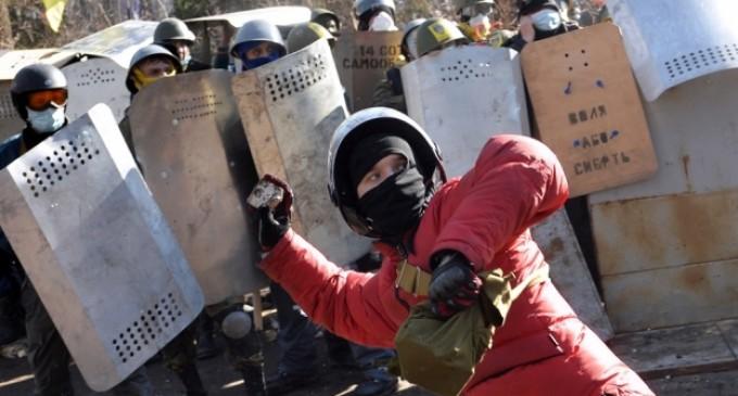 Enfrentamientos entre manifestantes y la policía dejan 25 muertos en Kiev
