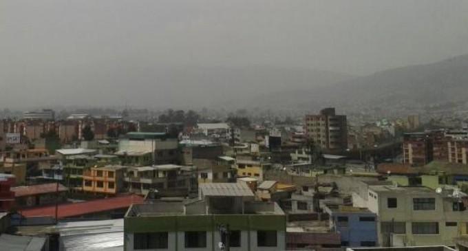 Ceniza del volcán Tungurahua llega a Quito