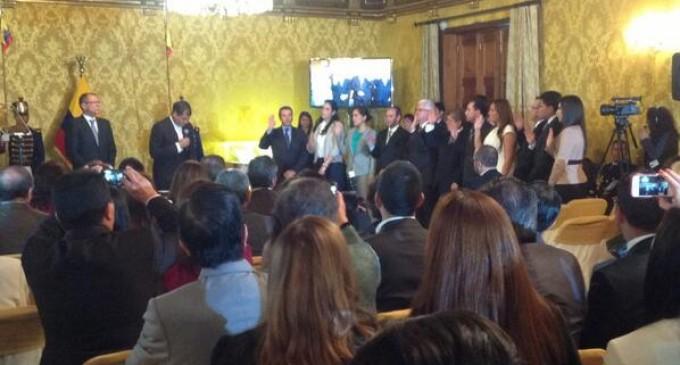 Presidente Correa posesiona a nuevas autoridades