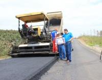 Continúa asfaltado de vías en Palenque y Babahoyo