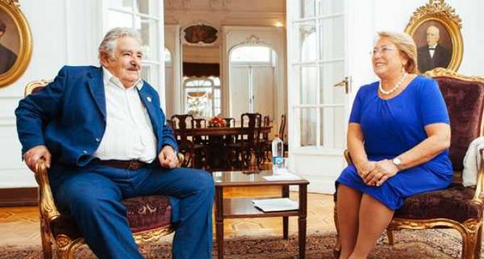 Bachelet se reúne con Mujica y Fernández en citas marcadas por la integración entre países