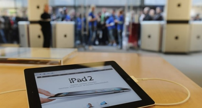 Apple dice adiós al iPad 2 y lanza un iPhone 5C más pequeño y barato