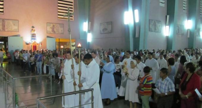 Bendición de Imágenes en la Catedral de Babahoyo