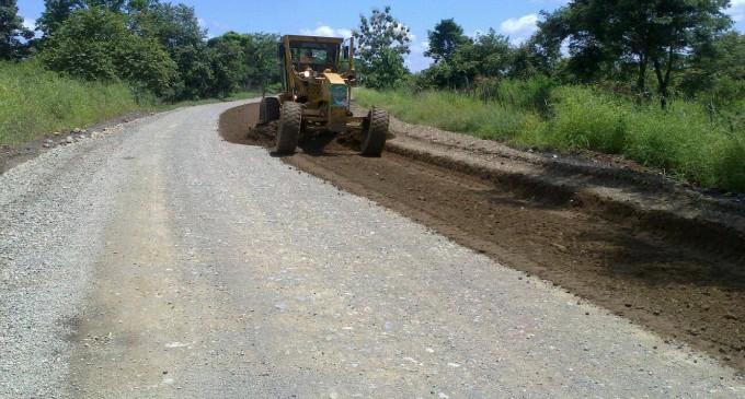 Continúan los trabajos de la carretera Santa Martha – Palenque