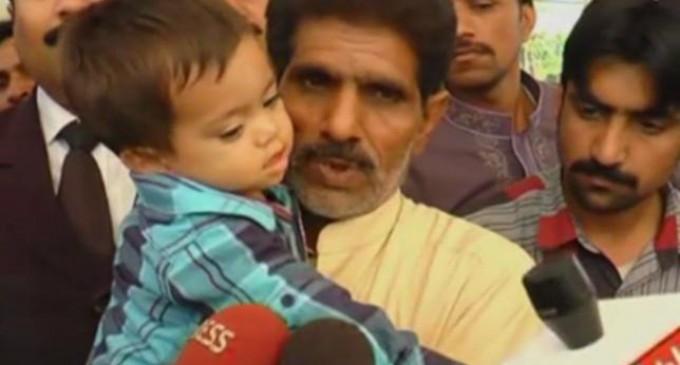 Un bebé de nueve meses acusado de intento de asesinato en Pakistán