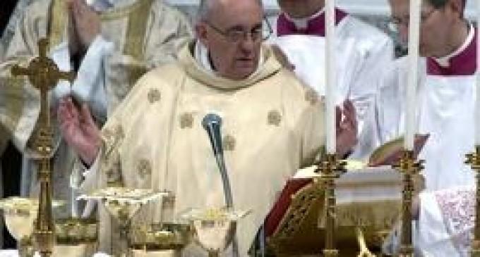 El papa Francisco presidió la misa Crismal y subrayó el valor del celibato