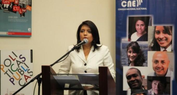 CNE realizó una exposición sobre el rol de la mujer