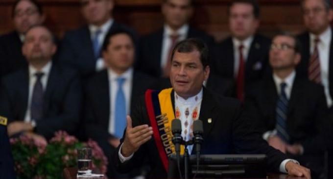 Correa: «He decidido apoyar la iniciativa de la reelección indefinida en todos los cargos de elección popular»