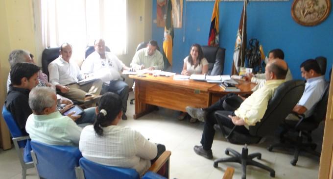 Alcaldesa (e)dirige sesión de concejo