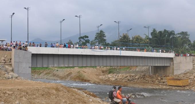 Puente beneficia a 11 comunidades de Los Ríos