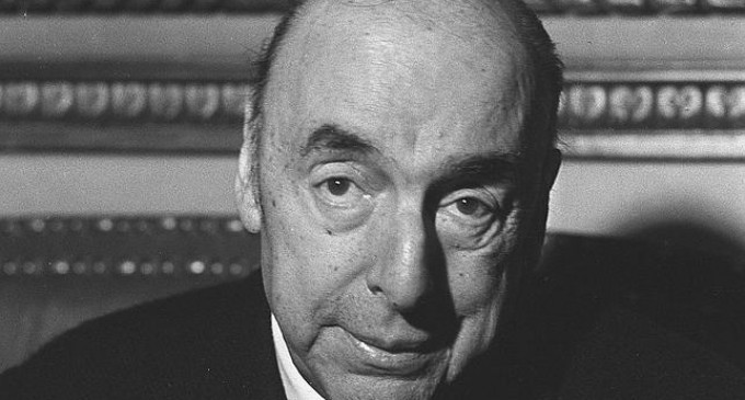 Hallan poemas inéditos de Pablo Neruda en unas cajas que contenían los manuscritos de sus obras