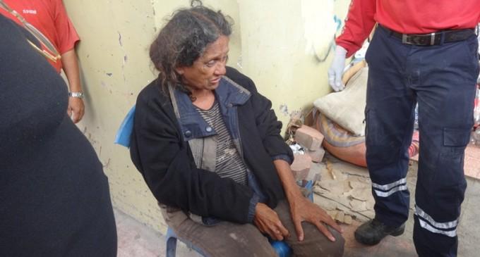 Mujer que vivía en la calle fue rescatada