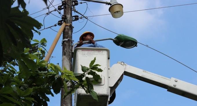 Municipio de Baba  trabaja en reparación de luminarias