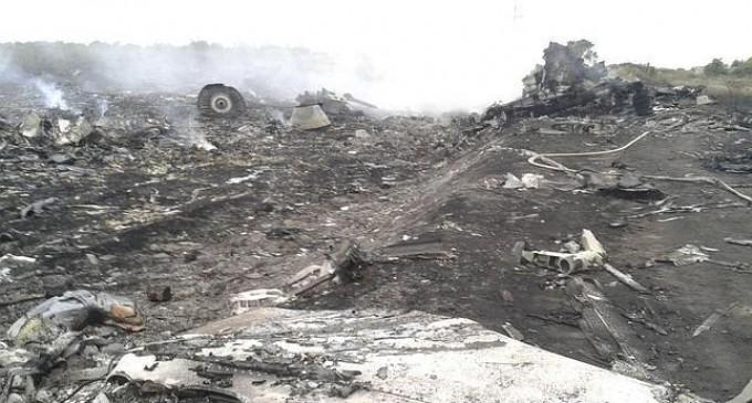 El derribo del avión en Ucrania deja más de 300 muertos