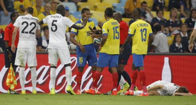 FIFA confirma sanción para Luis Suárez y Antonio Valencia