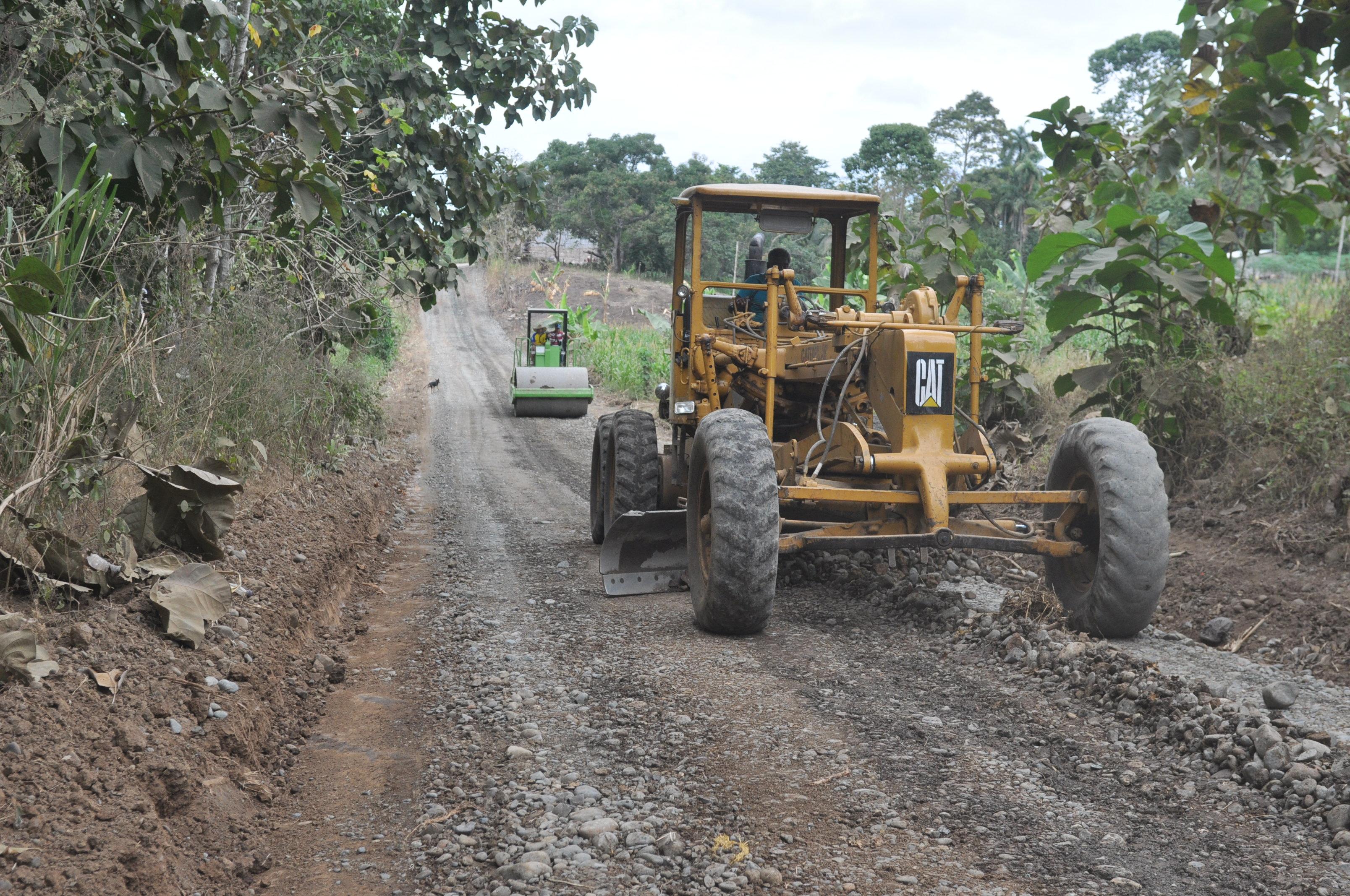 Arreglan de vías rurales