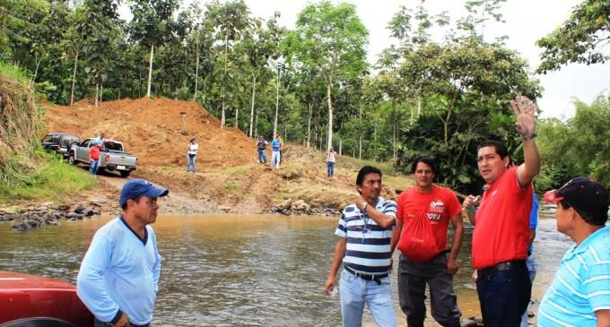 Prefectura intensifica obras viales en zona rural de Los Ríos