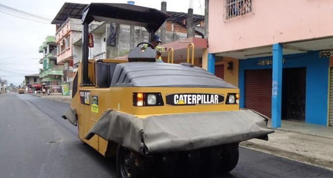Asfaltan calles en Buena Fe