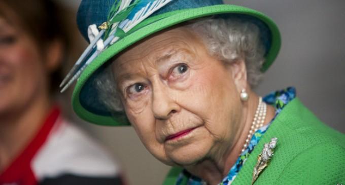 Isabel II pidió respetar el resultado del referendo en Escocia