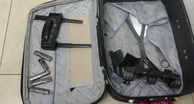 Ciudadana americana pretendió salir del país cargada con 1 572 gramos de cocaína