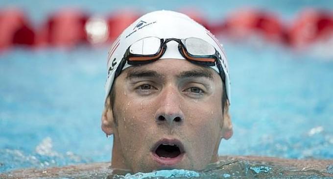 Federación de Natación de EEE.UU. suspende a Michael Phelps por 6 meses