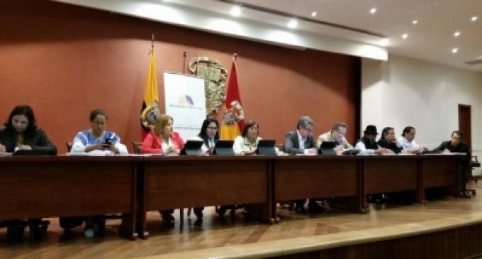 LEGALIZACIÓN DE TIERRAS Y TASAS DE INTERÉS, TEMAS DE DEBATE SOBRE LEY DE TIERRAS