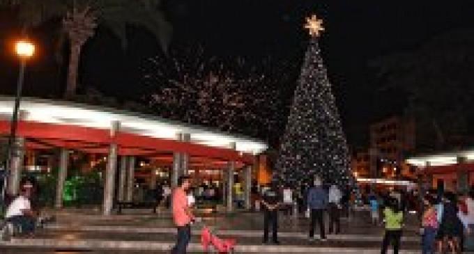 Babahoyo encendió su Árbol de Navidad
