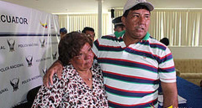 Madre e hijo se reencontraron después de 35 años