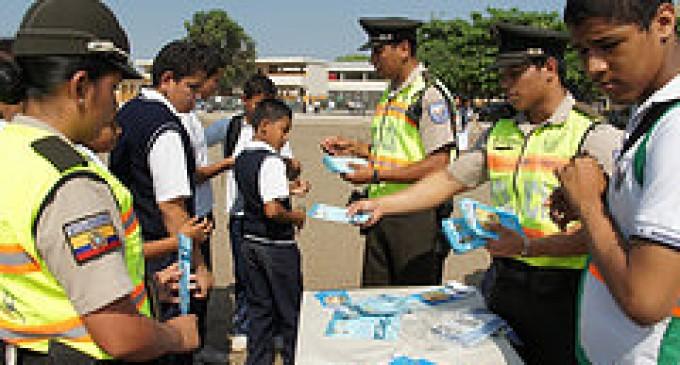 Exposición para medir  los efectos sobre el mal uso de explosivos en Babahoyo