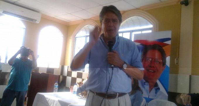"""Guillermo Lasso, """"Insistiremos en la consulta popular"""""""