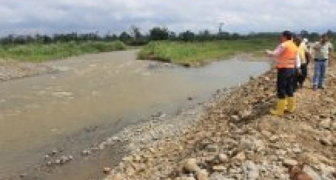 Prefectura encauza río Suquibí y construye muro de contención