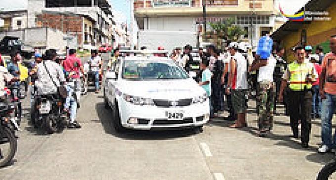 Tres presuntos asaltantes de buses fueron detenidos por la Policía