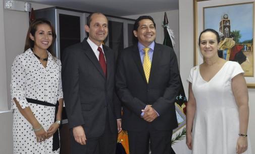 EEUU y Los Ríos fortalecen lazos