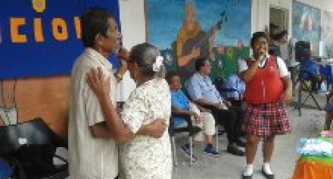 Centro gerontológico se homenajeará a la mujer