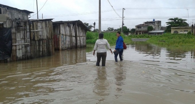 """Familias del sector """"La Delia"""" resultan afectadas en Babahoyo"""