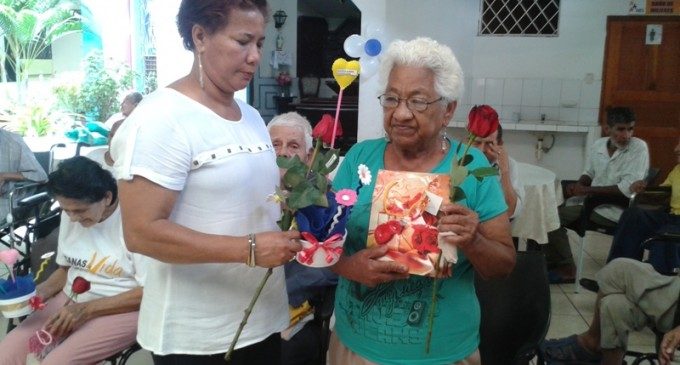 Alegría y entusiasmo vivieron las adultas mayores del gerontológico de Babahoyo