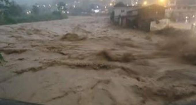 ECU 911 Babahoyo  reportan varios recintos afectados en Echeandía por desbordamiento de río