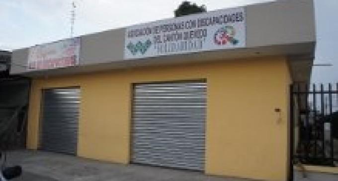 Alcalde inaugura sede de la Asociación  de Discapacitados Solidaridad de Quevedo