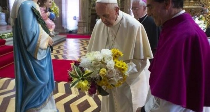 Papa Francisco visitó Catedral de Quito